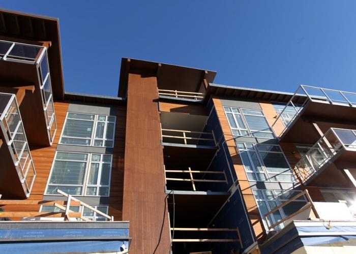 Solana, Apartment Building